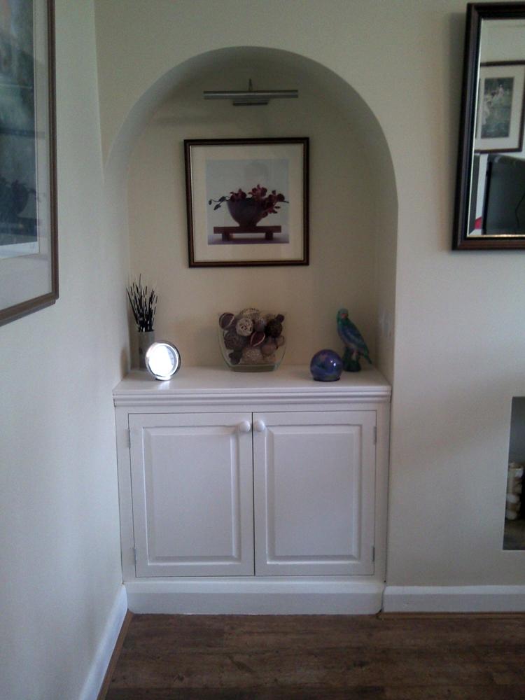Alcove cupboard