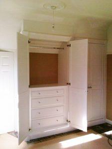 white-wardrobe-internal-drawers-0040-1w